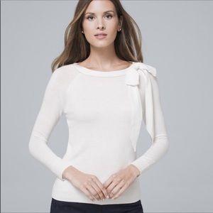 👑 WHITE HOUSE BLACK MARKET | White sweater w bow